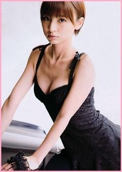 篠田麻里子2.jpg